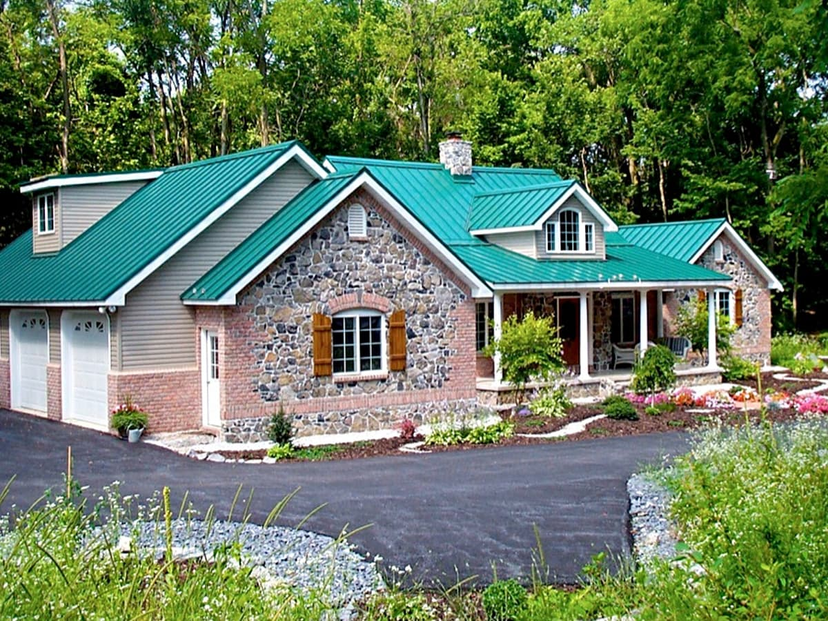 metal-roofing-for-residential-construction